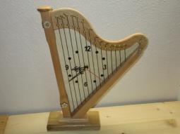 Wanduhr Harfe (helles Holz)